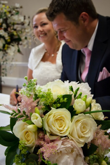 Lisa Lucas Photography - Wonderful Wedding Supplier - Little Tree Weddings (14)