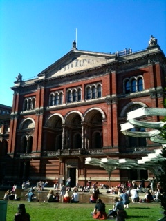 V&A Museum Courtyard