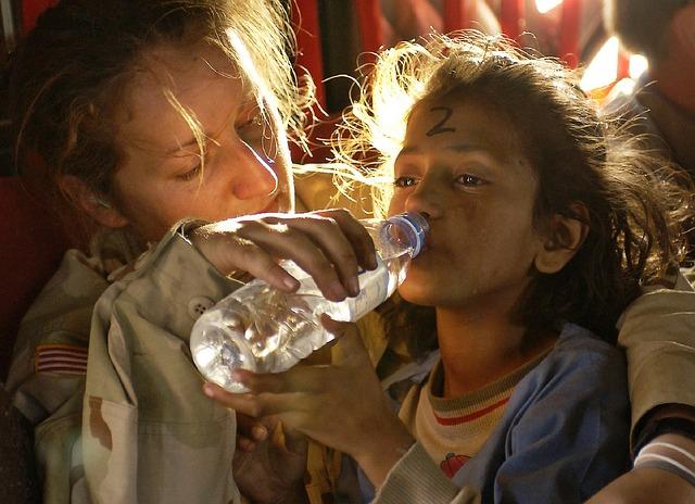 humanitarian-aid-939723_640