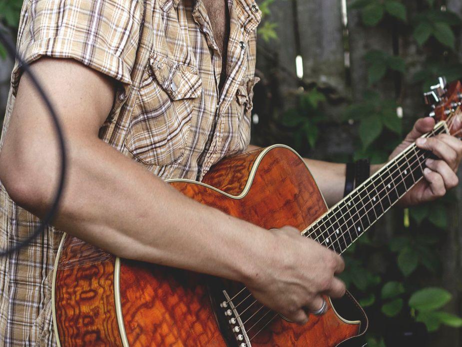 music-guitar-2