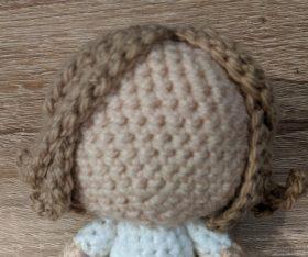 hair on amigurumi fox girl in a free pattern