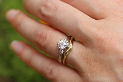 結婚指輪の重ね付けアレンジ