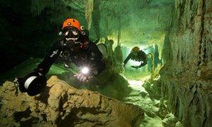 Водолази откриха най-голямата пещера в света, пазеща тайни на маите