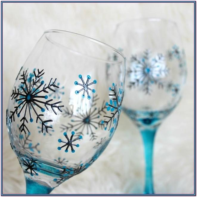 Holiday Wine Glass Painting Ideas