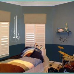 Two Tone Bedroom Paint Ideas
