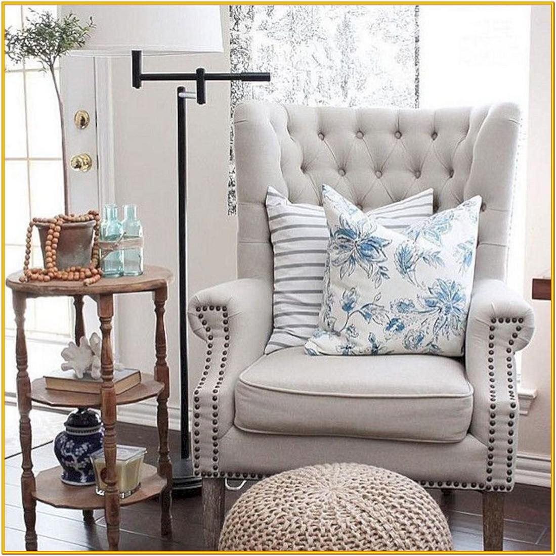 Decorating With Accent Chairs In Living Room