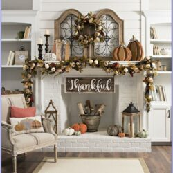 Farmhouse Living Room Fall Decor