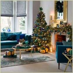 Images Of Living Rooms Decorated For Christmas