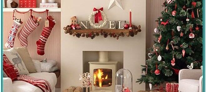 Living Room Christmas Decor Ideas For Small Spaces