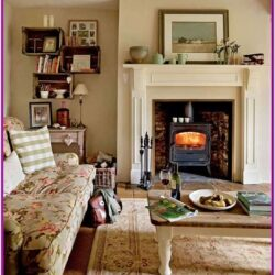 Living Room Country Cottage Decor