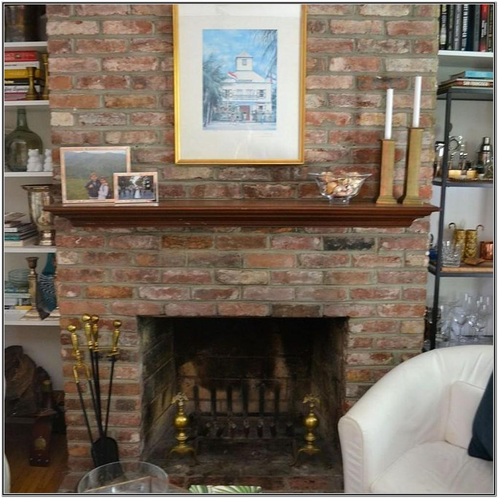 Living Room Decor Wih Brick Wall Fireplace