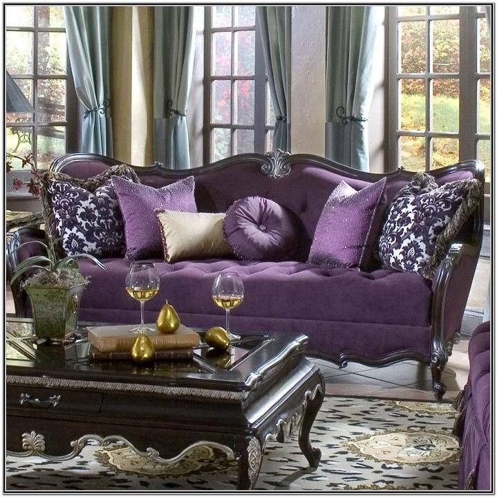 Living Room Decor With Purple Tufted Chair