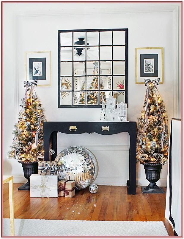 Living Room Side Table Christmas Decor