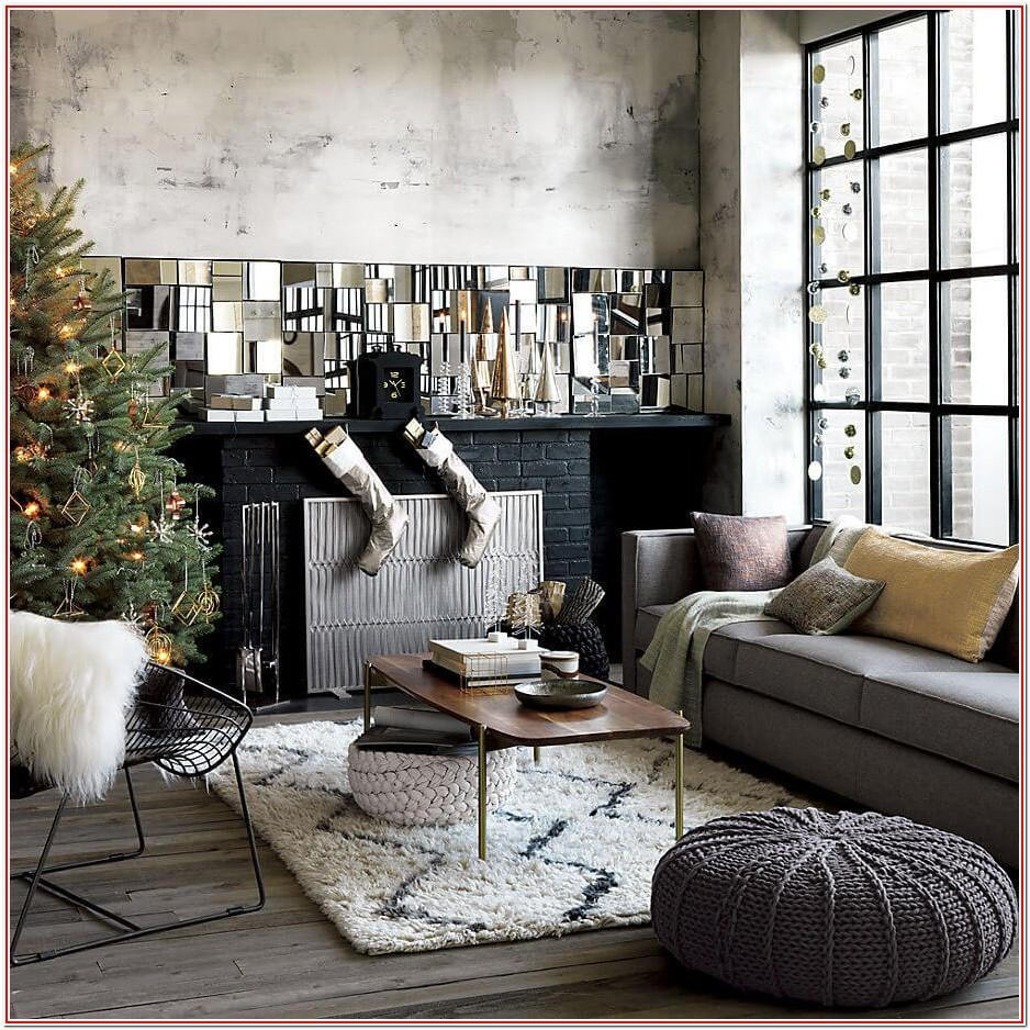 Living Room Minimalist Christmas Decor