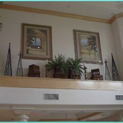 Living Room Vaulted Ceiling Ledge Decorating Ideas 1