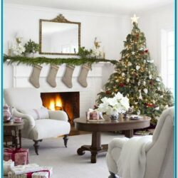 Pretty Living Room Christmas Decorations
