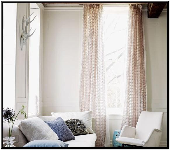 Simple Living Room Valance Ideas