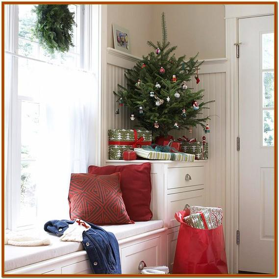 Small Space Small Living Room Christmas Decorating Ideas