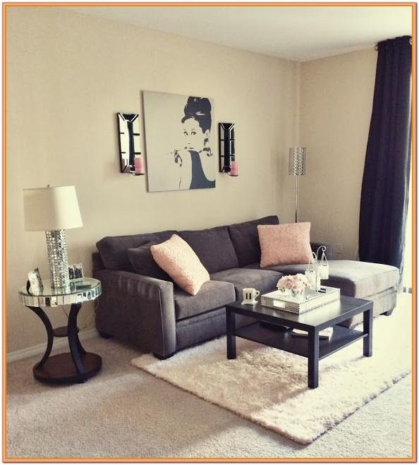 College House Living Room Ideas