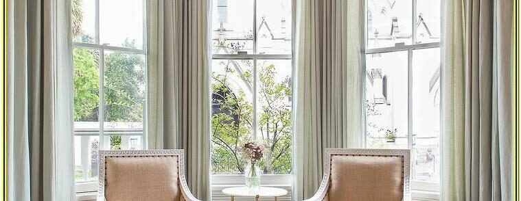 Curtain Ideas For Bay Windows In Living Room