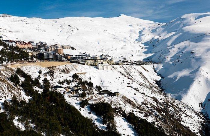 La Sierra Nevada sous la neige