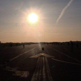 Si vous comptez visiter Berlin en 1 jour l'été, profitez du coucher de soleil sur Tempelhof