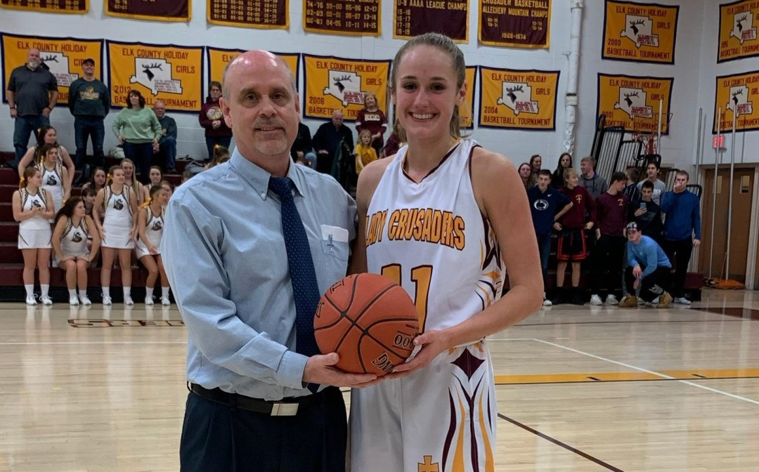 Taylor Newton scores 1000th career point!