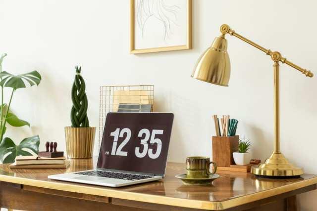 Altın lambalı masa ikea ofis masası