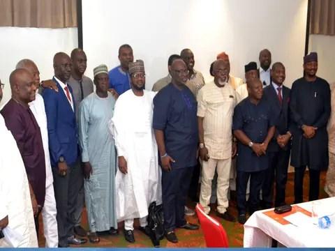 """NNN: Dilichukwu Onyedimma, un ex miembro del Comité Ejecutivo de la Federación de Fútbol de Nigeria (NFF), dice que la decisión de cancelar la temporada de fútbol 2019/2020 es apresurada e injusta. """"Realmente no puedo explicar lo que está sucediendo con el fútbol en Nigeria, pero está mal cancelar toda la temporada de fútbol debido […]"""