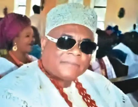 An attempt by the Onire of Ire-Ekiti in Ekiti, Oba Victor Bobade, to enforce a government ban on traditional festivals due to the rampaging COVID-19 has led to violence in the community, resulting in the killing of two people. The state government had banned the celebration of traditional festivals across the state and directed traditional […]