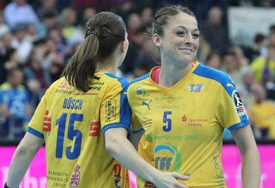 Alexandra Mazzucco (re.) und Tamara Bösch - HC Leipzig und Lizenz - Foto: HC Leipzig / Nadine Goldschmidt