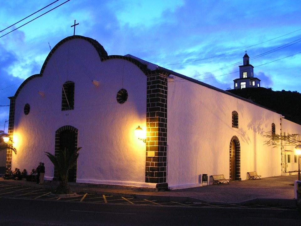 Campanario e iglesia de Nuestra Señora de La Candelaria La Frontera Isla de El Hierro