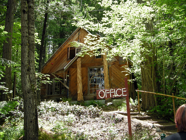 Breitenbush Hot Springs : Office
