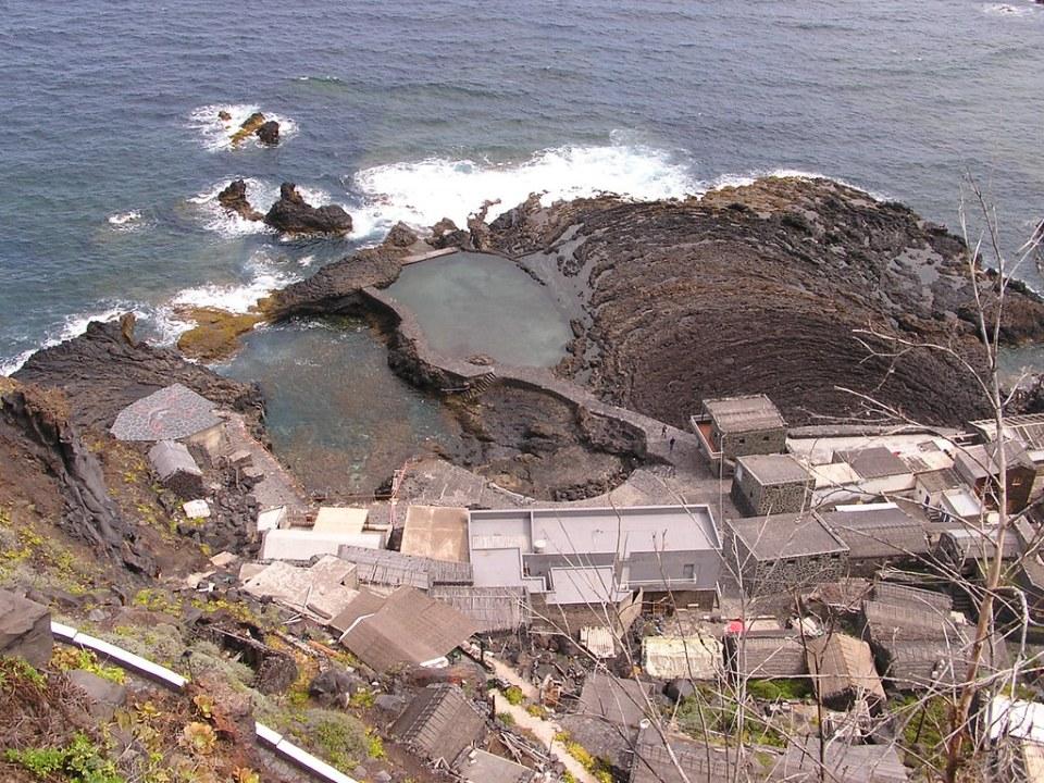 Pozo de las Calcosas isla de El Hierro