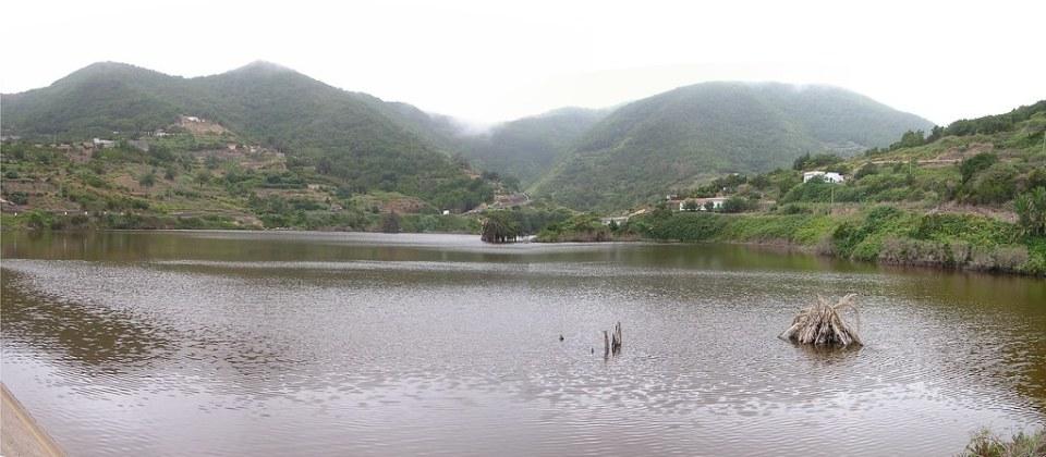 Presa de Amalaguigüe o Presa de Las Rosas isla de La Gomera panoramica 02
