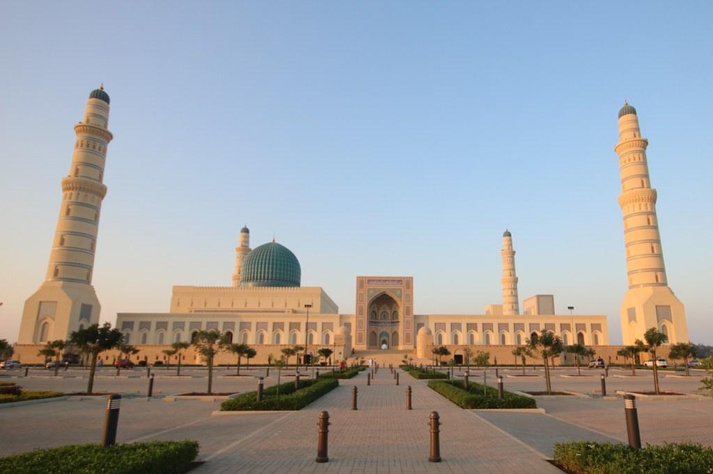 Beautiful cities in Oman - Sultan Qaboos Grand Mosque in Sohar