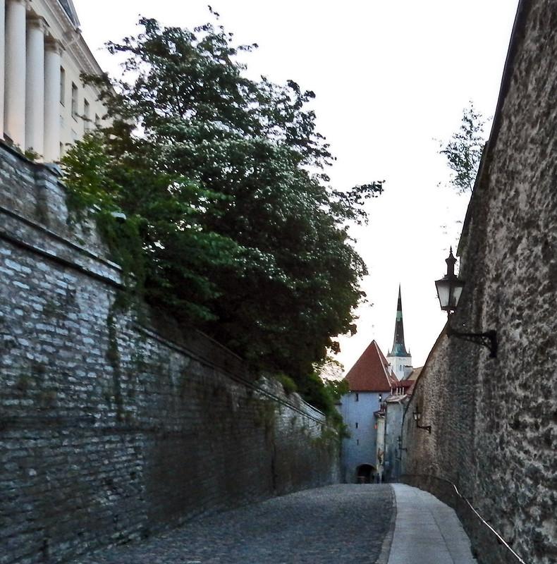 Tallin Torre calle puerta Pikk Jalg de muralla Pierna larga Estonia 04