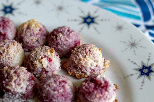 Raspberry Macaroons - 12