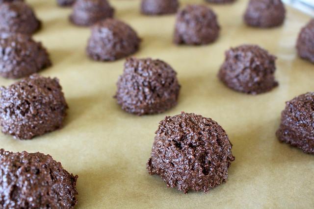 Chocolate Macaroons - 10
