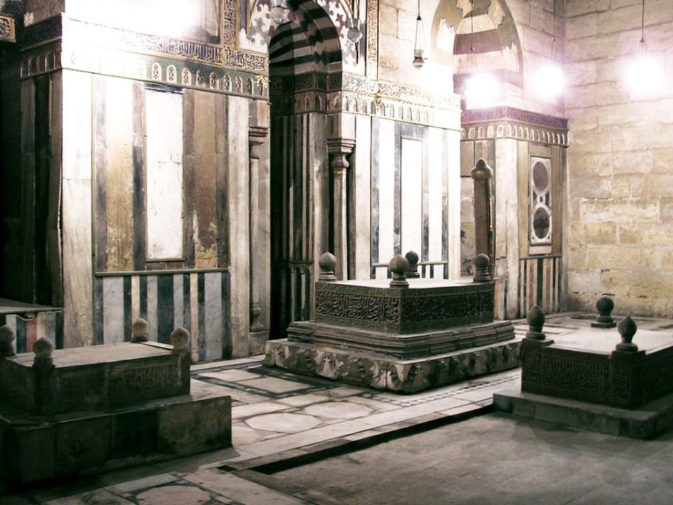 mausoleo interior Mezquita Sultan Hassan El Cairo Egipto