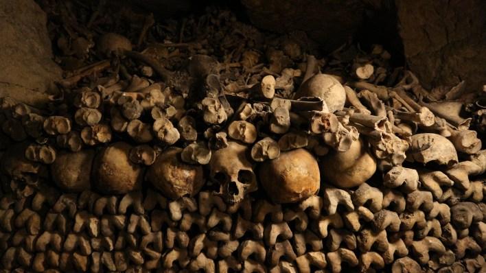 Catacumbas de París. El Imperio de la Muerte en el inframundo. ¡Incluye vídeo!