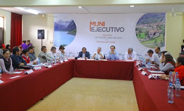 Presidente Vizcarra brinda conferencia de prensa tras finalizar Muni Ejecutivo en Chimbote (Áncash).00