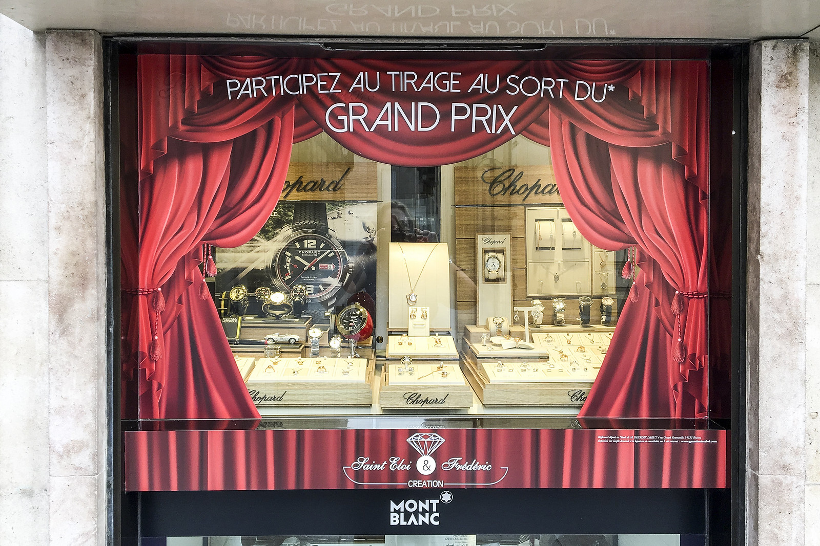 Sudetic deco vitrine Grand St Eloi (2)