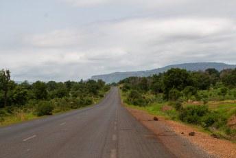 Komende vanuit Senegal verandert het landschap in Mali onmiddelijk.