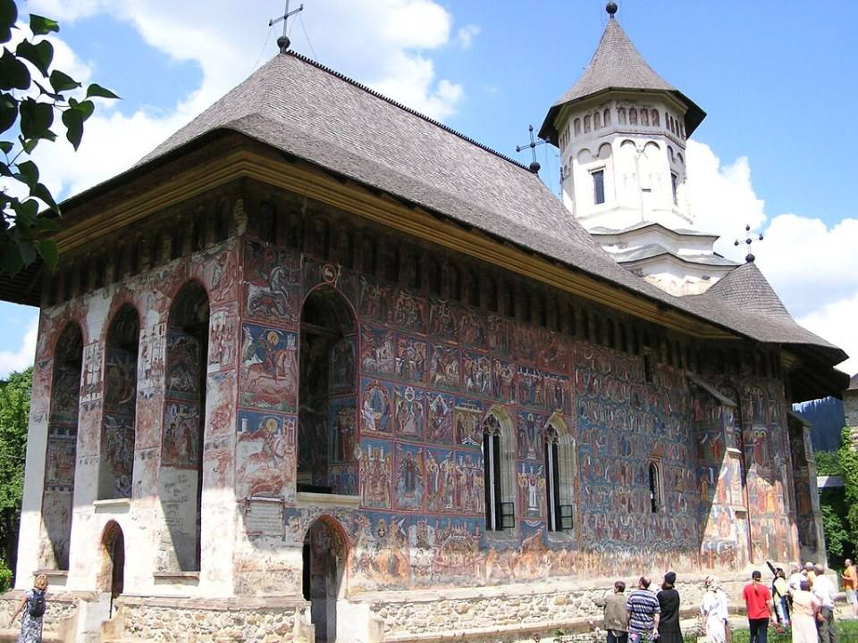 exterior Monasterio Moldovita Bucovina Rumania 06