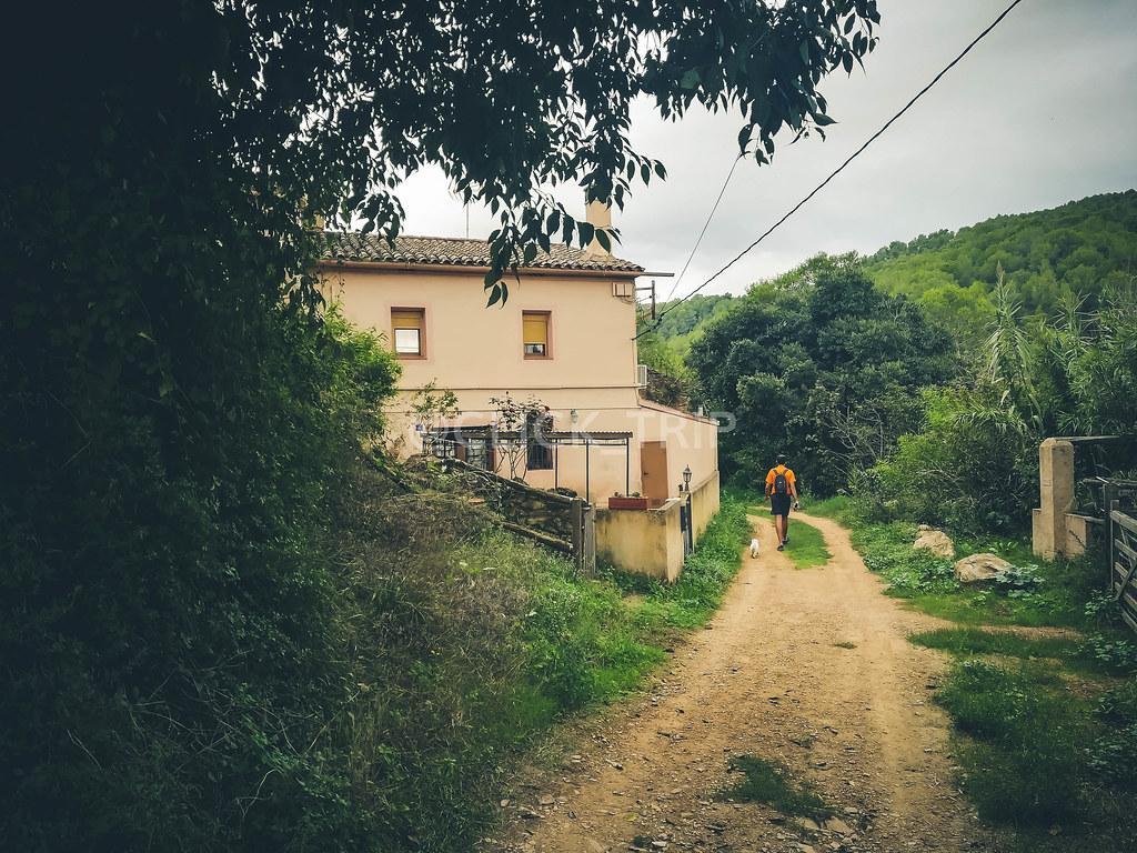 Camino hacia Cuevas de Can Riera