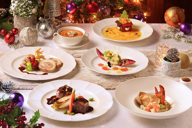 8. A Disney Christmas_F&B (2)