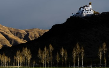 Guarding the Yarlung Valley