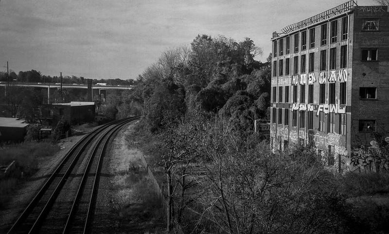 morning rush hour, river district, warehouse, railroad tracks, Asheville, NC, Goerz Box Tengor, Arista.Edu 200, Ilford Ilfosol 3 developer, 11.5.18