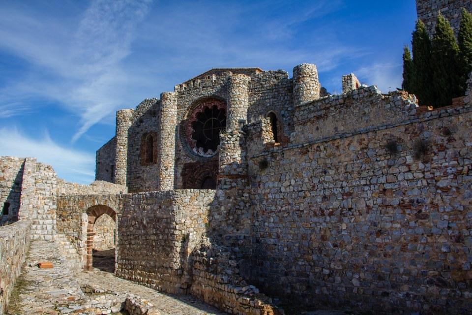 Exterior Iglesia Sacro Convento y Castillo de Calatrava la Nueva Aldea del Rey Ciudad Real 03